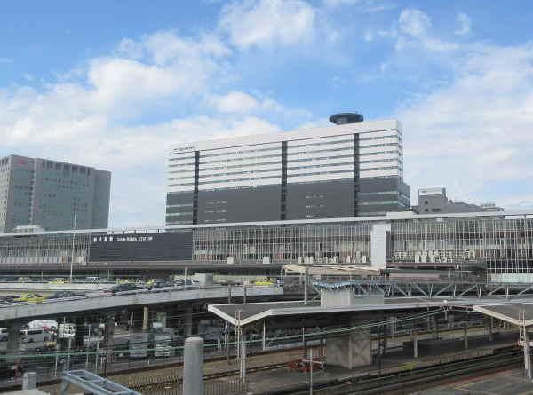 新大阪駅も徒歩圏内