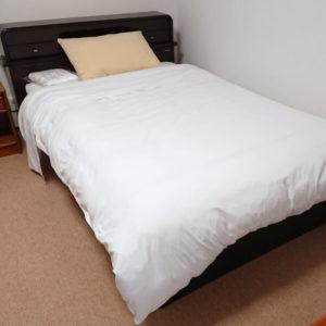 ベッド・寝具一式付き